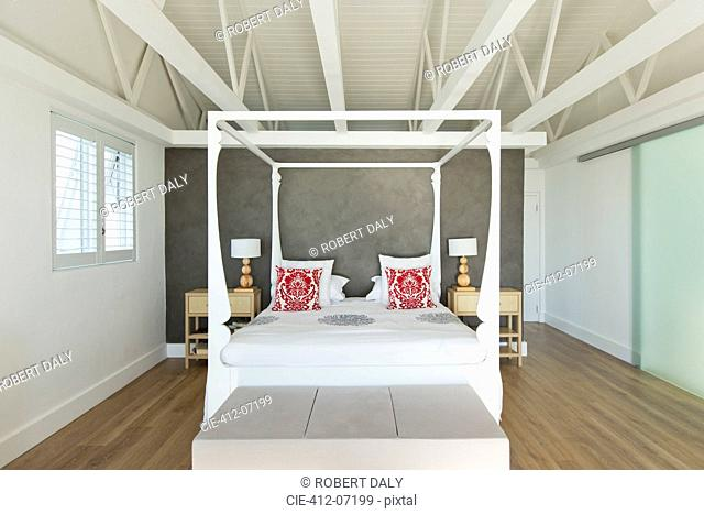 Canopy bed in modern bedroom