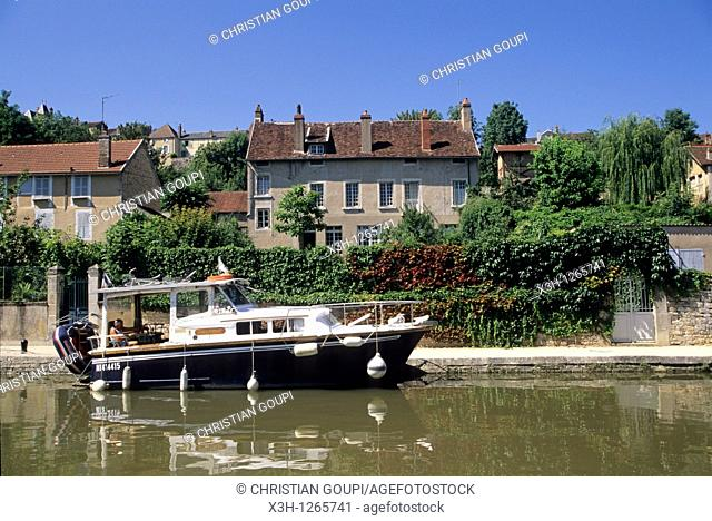 river tourism on the Canal of Nivernais, Clamecy, Nievre department, region of Burgundy, center of France, Europe