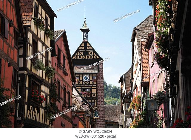 France, Alsace, Riquewihr, Haut-Rhin, Alsatian Wine Route, Riquewihr, View of timber framed houses in historic wine village