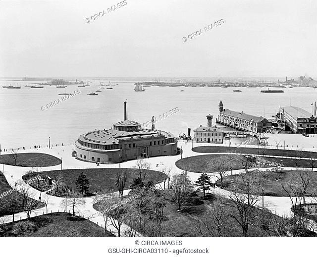 Battery and Aquarium at Castle Garden, New York City, New York, USA, Detroit Publishing Company, 1900