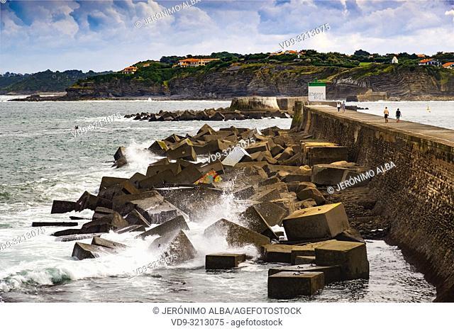Pier of Socoa harbour, Basque Country. Urrugne, Pyrénées-Atlantiques department, Aquitaine region. South Western France