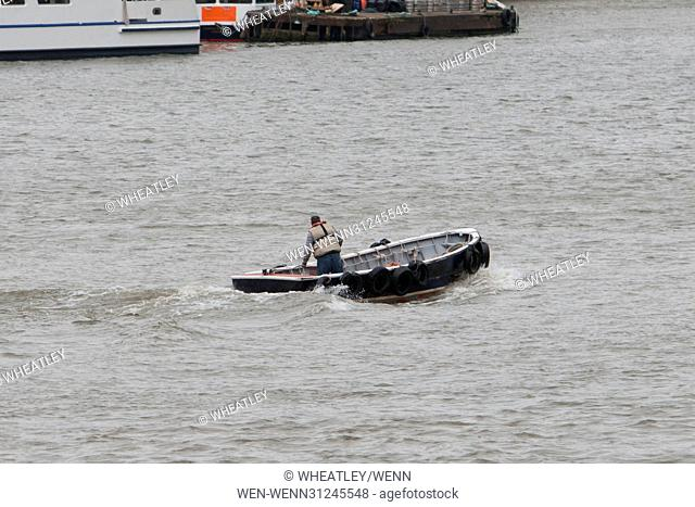 Police search for suspected jumper from Westminster Bridge, London, UK Featuring: Atmosphere, View Where: London, United Kingdom When: 29 Mar 2017 Credit:...