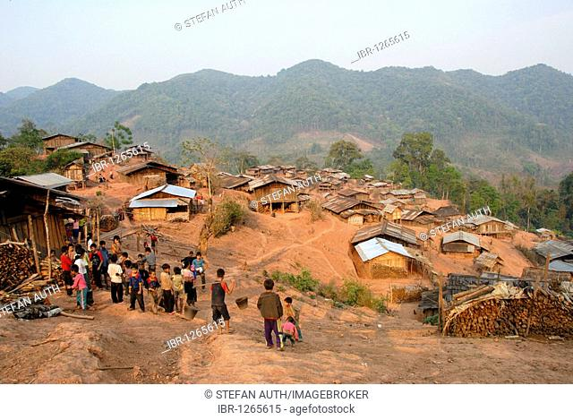 Poverty, people of the Akha Djepia ethnic group, simple huts on the hillside, village Ban Chakhamdaeng, near the Nam Lan Conservation Area, Boun Tai district