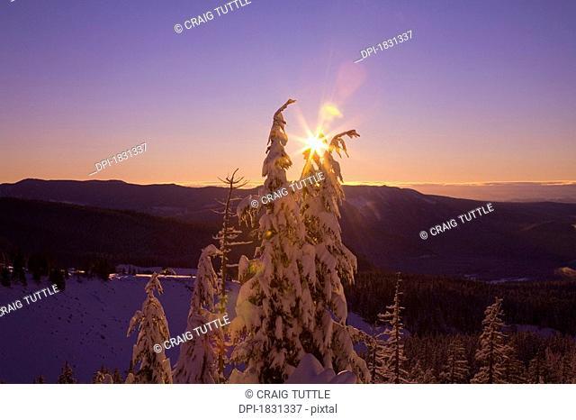 Sunrise, Cascade Mountains, Oregon, USA