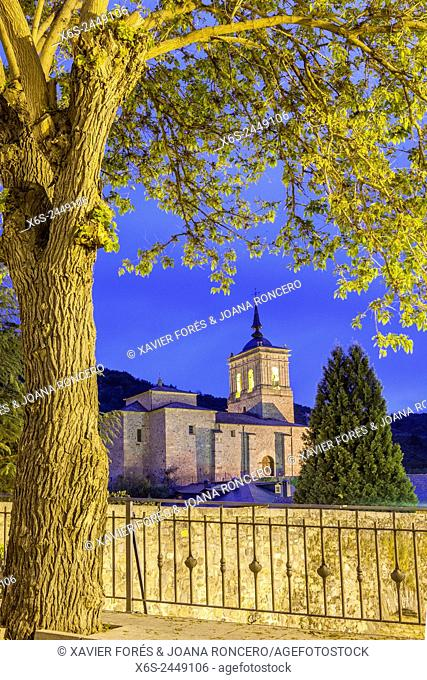 Pilgrim's bridge and church of San Nicolás de Bari in Molinaseca, Way of St. James, Leon, Spain