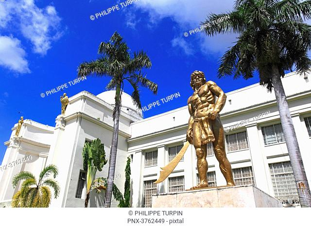 Philipinas, Cebu City. Cebu Island. Statue in front of Cebu Provincial Capitol
