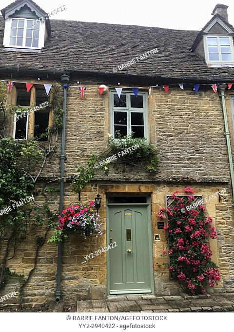 Cottage, Stow-on-the-Wold, Cotswolds, Gloucestershire, England