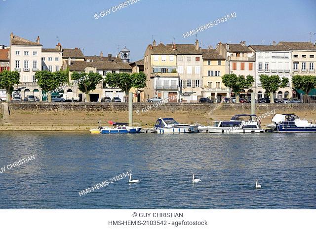 France, Saone et Loire, Tournus, town view along Saone River, river tourism, Burgundy Region, Maconnais Area