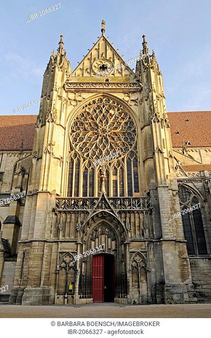 Saint Etienne Cathedral, Sens, Yonne, Bourgogne, Burgundy, France, Europe, PublicGround