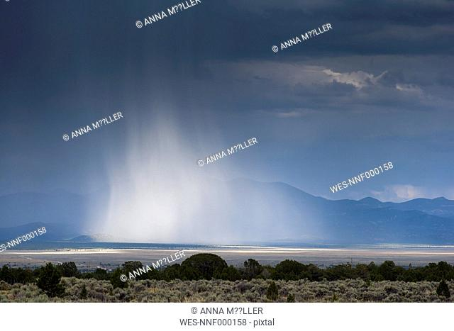 USA, Nevada, landscape with thunderclouds