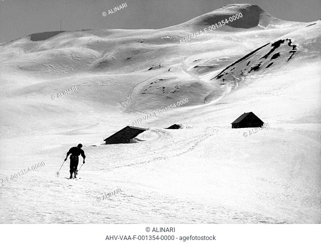 Mountaineer in the snow, shot 1960 ca. by Villani, Studio