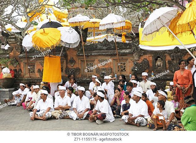 Indonesia, Bali, Mas, temple festival, people, odalan, Kuningan holiday