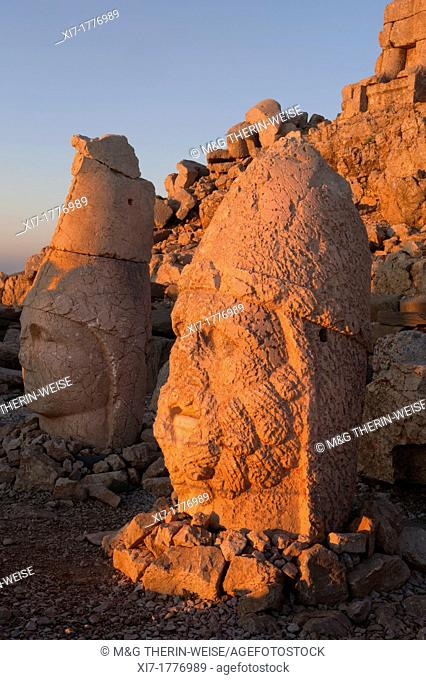 Mount Nemrut sanctuary, Heads of Hercules and Antiochus, Ruins of the Commagene civilization, 1st century B C , Mount Nemrut, Eastern Turkey