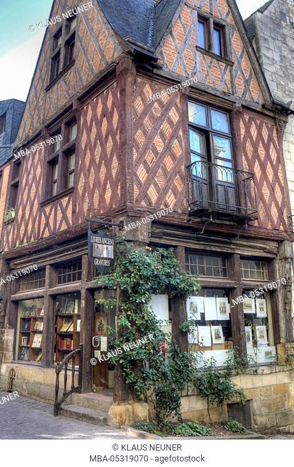 Townscape of Château-Chinon, Ville, town, Département Nièvre, Loire, Burgundy, France, Europe