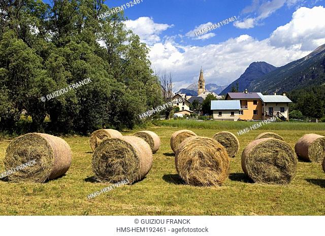 France, Hautes Alpes, Brianconnais area, Vallee de la Claree, Val des Pres village