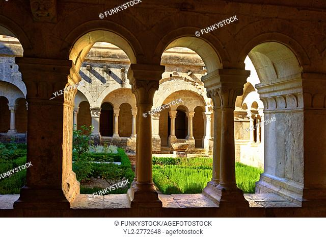 Cloisters of the 12th century Romanesque Cistercian Abbey of Notre Dame of Senanque ( 1148 ). Provence near Gordes, France