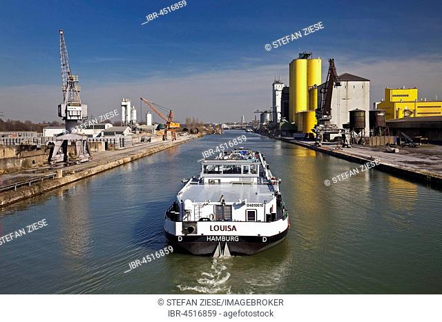 Cargo ship on the Datteln-Hamm Canal in city port, Hamm, Ruhr district, North Rhine-Westphalia, Germany