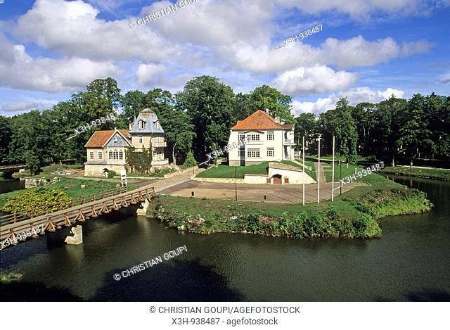 parc du chateau episcopale de Kuressaare,ile de Saaremaa,region de Saare,Estonie,pays balte,europe du nord