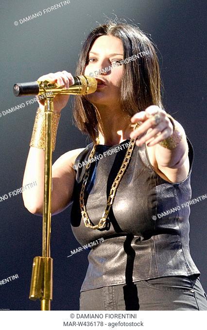laura pausini in concert, ravenna 2009