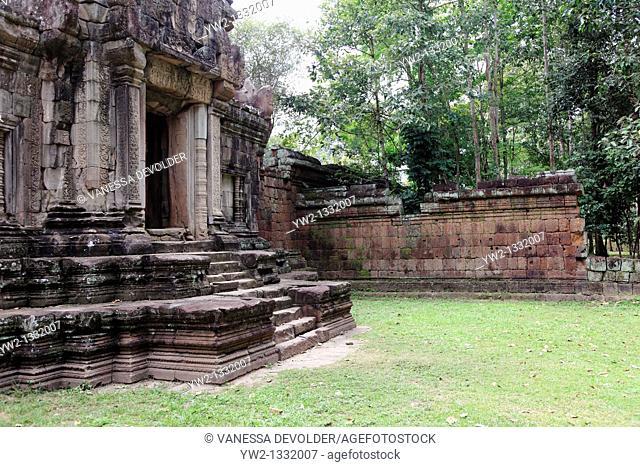 Phimeanakas temple at Angkor Cambodia V10CAM0104RM