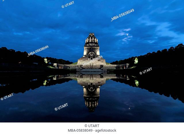 Battle of the nations monument, Leipzig by the blue hour, water reflection