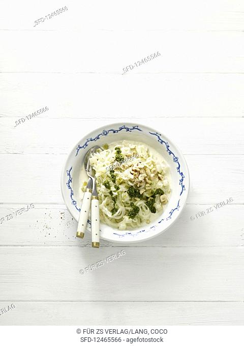 Kohlrabi noodles with herb pesto