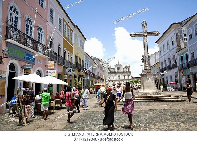 Cruzeiro de Sao Francisco, view towards the Catedral Basilica. Largo do Pelourinho, Salvador, Brazil