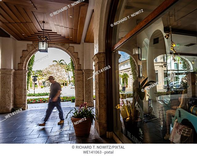 Retail store in Palm Beach in one of the many Spanish Revival streets called Vias