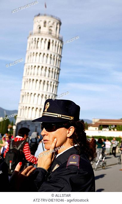 POLICE WOMAN & LEANING TOWER; PISA, TUSCANY, ITALY; 09/05/2012