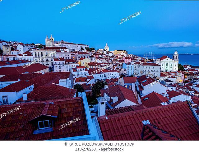 Portugal, Lisbon, Miradouro das Portas do Sol, Twilight view over Alfama Neighbourhood