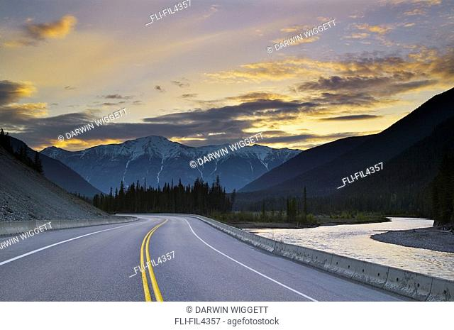 Hawk Ridge, Vermilion River, Kootenay Parkway, Kootenay National Park, British Columbia