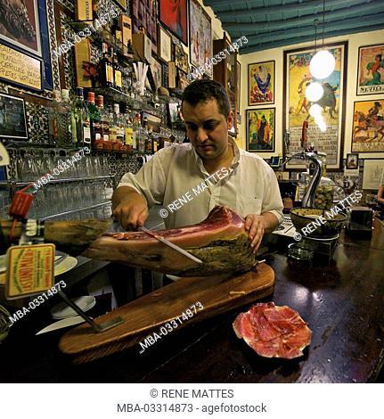 Spain, Andalusia, Seville, quarter Santa Cruz, Casa Placido, Tapa bar, fresh ham