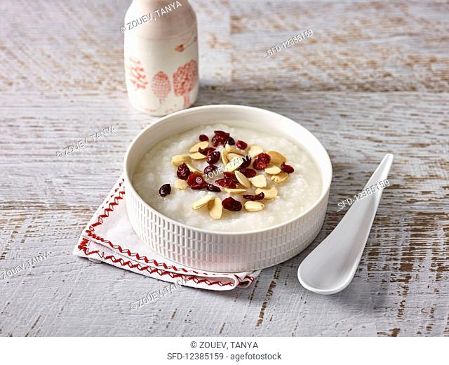 Congee with dried cranberries (China)