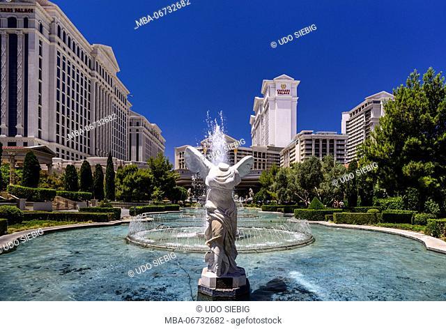The USA, Nevada, Clark County, Las Vegas, Las Vegas Boulevard, The Strip, Caesar Palace, fountain