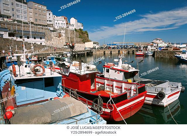 Fishing port and village, Malpica de Bergantinos, La Coruna province, Region of Galicia, Spain, Europe