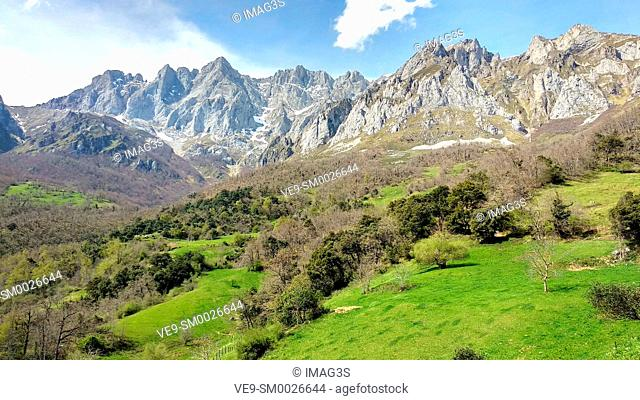 Andara Massif seen from Mogrovejo villaje, Liébana valley, Picos de Europa National Park and Biosphere Reserve, Cantabria province, Spain