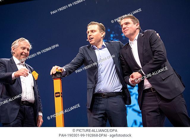 28 February 2019, Bavaria, München: Erich Sixt (l-r), CEO of the car rental company Sixt, Konstantin Sixt, member of the board of the car rental company Sixt