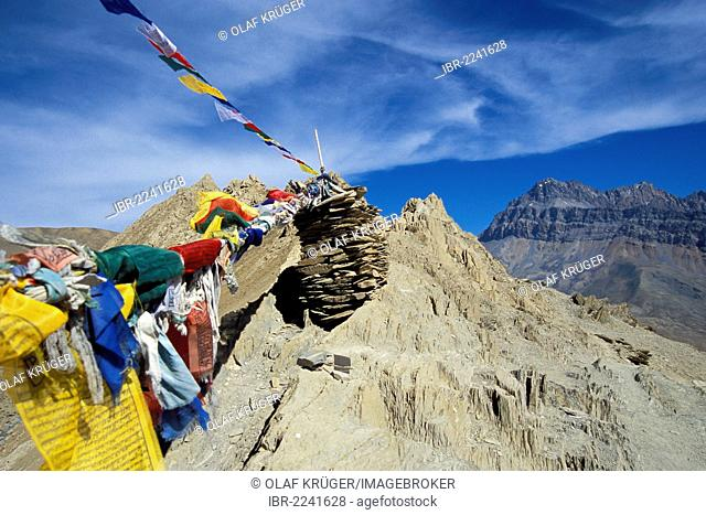Prayer flags, Hanuma-La or Hamuma-Pass, near Lingshed, Zanskar, Ladakh, Jammu and Kashmir, North India, India, Indian Himalayas, Asia