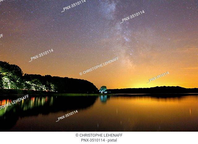 France, Burgundy, Yonne. Area of Saint Fargeau and Boutissaint. Lake of the Bumblebee. Starry sky. Milky way