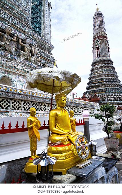 Buddha statue  Wat Arun Rajwararam or Temple of the Dawn  Bangkok, Thailand