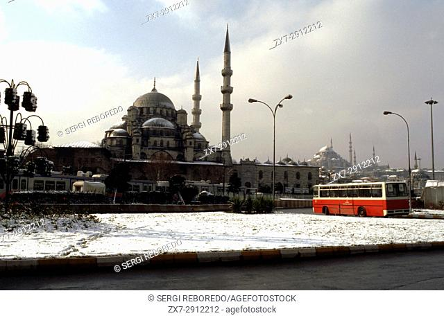 Bus and front side of New Mosque (Yeni Cami) Istanbul, Turkey