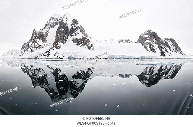 South Atlantic Ocean, Antarctica, Antarctic Peninsula, Lemaire Channel, View of sea with mountains in background
