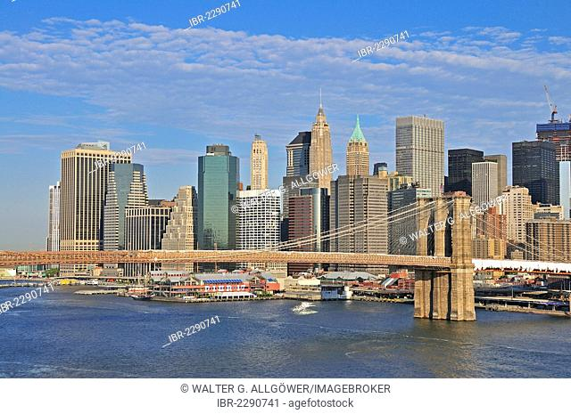 Skyline of Lower Manhattan and Brooklyn Bridge, view from Manhattan Bridge, Manhattan, New York City, USA, North America, America, PublicGround