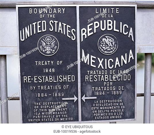 Bilingual boundary sign on International Bridge between Mexico and the United States