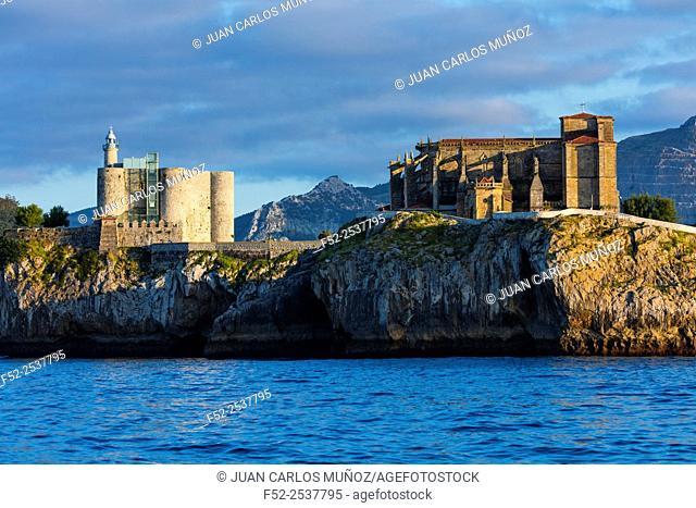 Castle of Santa Ana and Lighthouse and Church of Santa María de la Asunción, Castro Urdiales, Cantabrian Sea, Cantabria, Spain, Europe