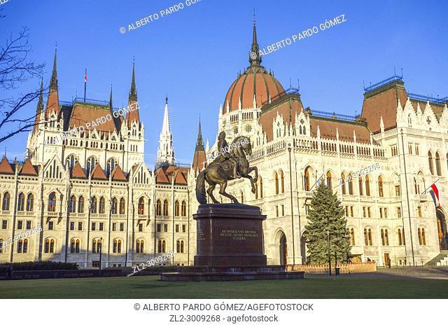 Kossuth Lajos square, Hungarian Parliament building, Budapest, Hungary