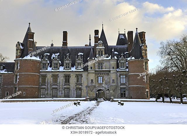 Chateau de Maintenon in the snow, department of Eure-et-Loir, Centre-Val-de-Loire region, France, Europe