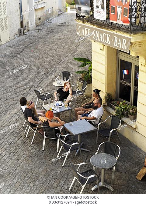 outdoor cafe viewed from above, Eymet, Dordogne Department, Nouvelle-Aquitaine, FranceFrance