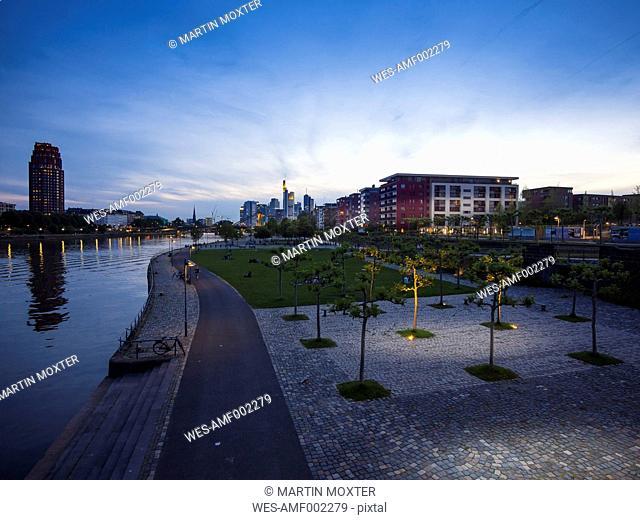 Germany, Hesse, Frankfurt, Ostend and skyline of Frankfurt