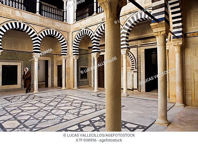 Tunez: Kairouan Koranic school of Sidi el Ghariani